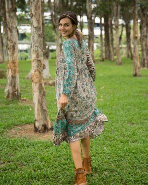 Pitkähihainen lifestyle mekko